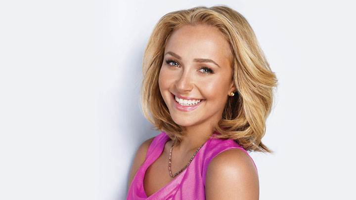 Hayden Panettiere Cute Smiling Face In Pink Dress